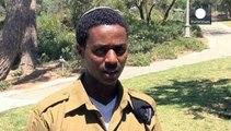 بنيامين نتنياهو يستقبل الجندي الاسرائيلي من أصل أثيوبي و الذي تعرض للضرب من قبل الشرطة