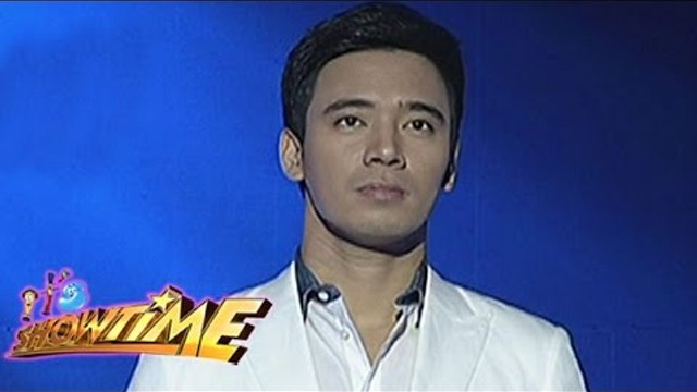 """Erik sings """"You Raise Me Up"""" on It's Showtime"""