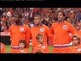 Jim zingt Wilhelmus wedstrijd Nederland-Bulgarije