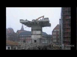 CAT 330B Wilko Wagner Abriss Astra-Turm Hamburg excavator demolishing tower Slideshow