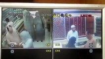 """اربع بنات حاولن سرقة محل ذهب وامسكوهن في """"جدة """"13-8-2013  بجودة {HD}"""