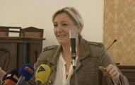 Marine Le Pen huée à Prague : «Chez vous, les opposants sont habillés»
