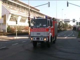 2x LF 8 H + 2x LF 10/6 FF Frankfurt  + Kdow OLRD Res BF Frankfurt + MTW Polizei Frankfurt