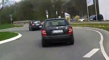 4 Minuten Verfolgungsjagd Polizei vs. Roller - German Scooter Police Chase
