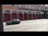 Audifahrer bleibt gechillt auf dem Vorhof der Feuerwache 3 stehen trotz Alarm und ausrückendem HLF