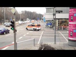 Verschiedene Rettungsmittel in Stuttgart ©