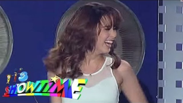"Yassi performs ""Bang Bang"" on It's Showtime"