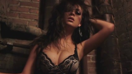 Mar - She's A Dancer (Music Video)