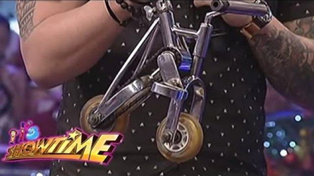 Vhong, Billy, Anne and Angel uses a small bicycle