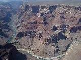 hélico au dessus dugrand  canyon suite