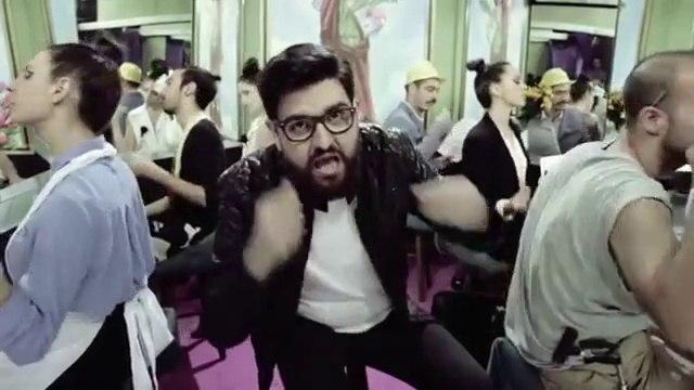 Manu Sánchez versiona 'I am an albatraoz' de AronChupa - El Último Mono