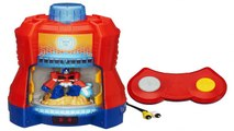 Playskool Heroes Electronic Transformers Rescue Bots Heatwave the Fire Bot robot saves fir
