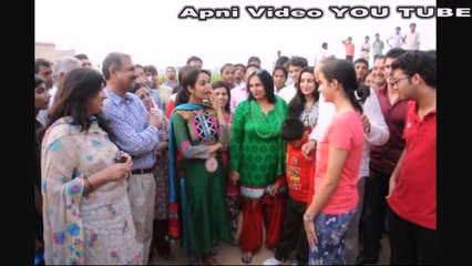 Mallika Sherawat With Her Family Live Video