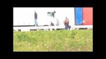 Calais : Quand les violences policières contrastent avec le discours de Bernard Cazeneuve