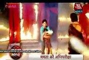 Yeh Hai Mohabbatein 12th May 2015 Shagun Ne Dala Adi Ruhi Ko Aag Mein Aur Bachane Ayi Ishima