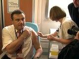 France starts swine flue innoculation for medical staff