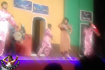 Hot Stage Mujra Dance Shalimar Theater Lahore - kismat baig on Punjabi Song
