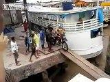 kiran collections Dunya News - Motorcycle fell down into the sea