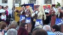 ΚΟΝΙΑΛI  Χορός με τα κουτάλια Ο χορός των κουταλιών χορευόταν και σε άλλες περιοχές της Μ. Ασίας όπως στην Κιουτάχεια κα