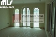 Stunning 3 Bed Room Small Legacy Villa for Sale in Jumeirah Park - mlsae.com