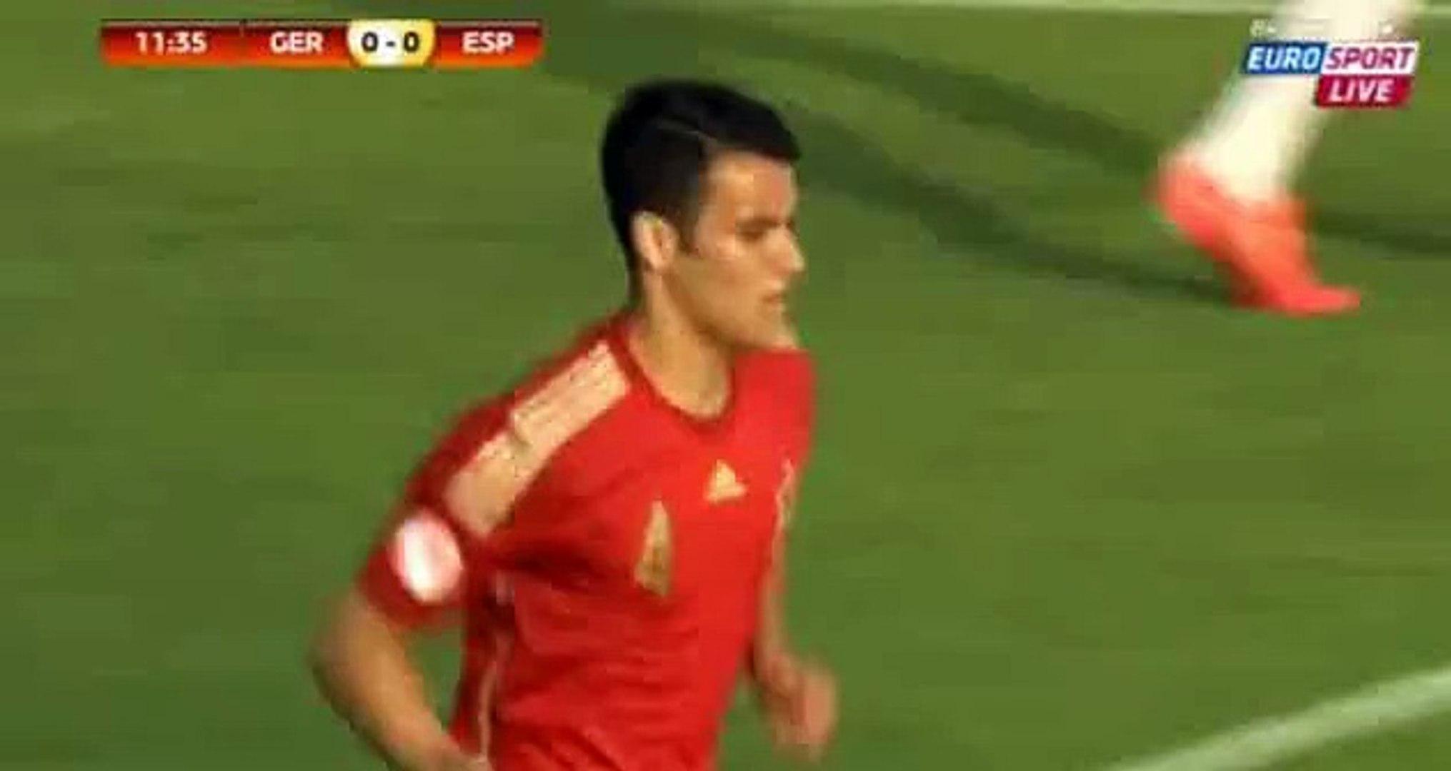 Alex Martin chance - Germany vs Spain Under U17 Euro 15.05.2015