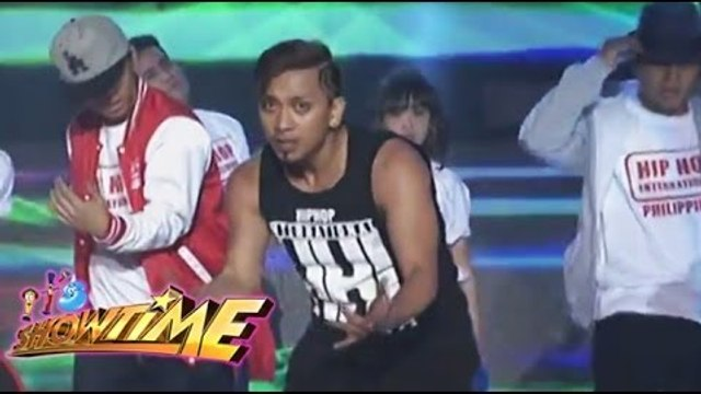 Jhong Hilario and Hip-hop dancers flashed Showtime stage