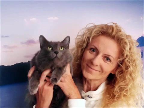 Katzentipp Nr. 3: Krallenschneiden bei der Katze/ advices for cats No.:3 clipping nails for cats