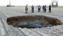 Turkey: locals 'terrified' as giant sinkhole appears