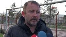 Medicana Sivasspor Teknik Direktörü Yalçın Önümüzdeki Sezon İçin Anlaşma Sağladık