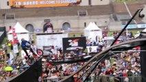 BMX - Pat Laughlin réussit à changer de vélo à la réception, le premier bike-to-bike