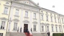 Estonya Cumhurbaşkanı İlves Almanya'da