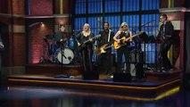 Seth Meyers rejoue l'entrée de scène de David Letterman
