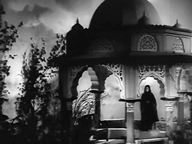 Mahal - Mushkil Hai Bahut Mushkil (Remastered)