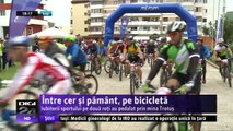 Între cer şi pământ, pe bicicletă. Iubitorii sportului pe două roţi au pedalat prin mina Trotuş