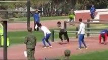 Chili : l'entraînement militaire des joueurs de la sélection
