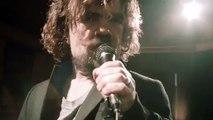 Tyrion Lannister en mode crooner avec Coldplay