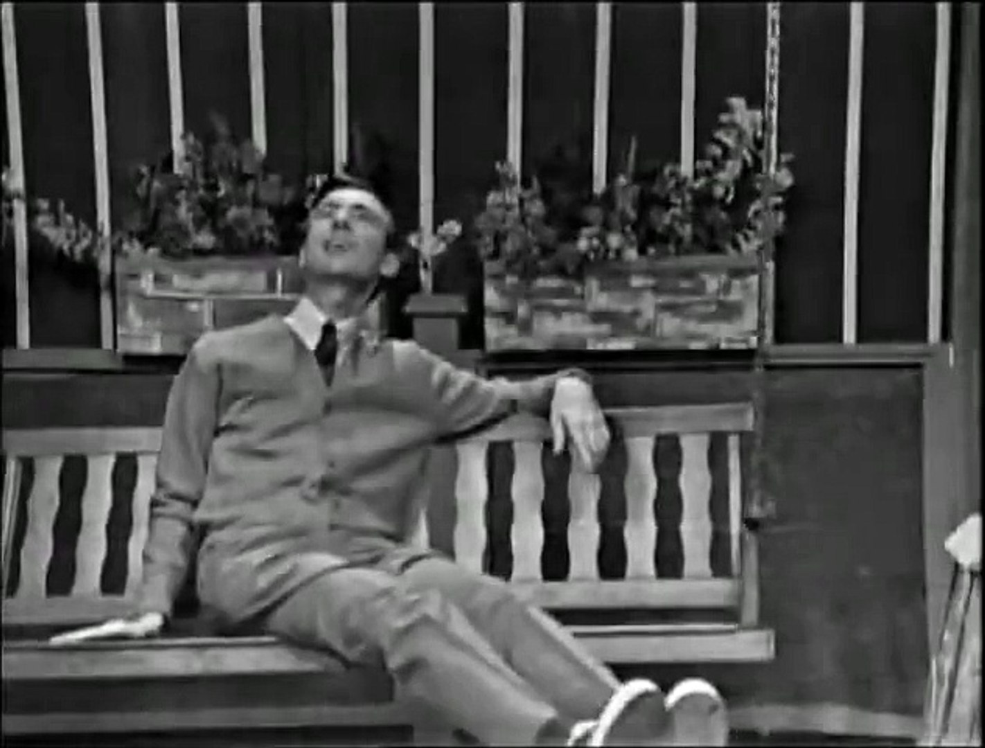 Mister Rogers Neighborhood S01e001 1 The First Program 1967 Black White Video Dailymotion