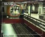 CHOQUANT!!!   Metro de bruxelles janvier  2010, la télé belge fait un appel à témoin!