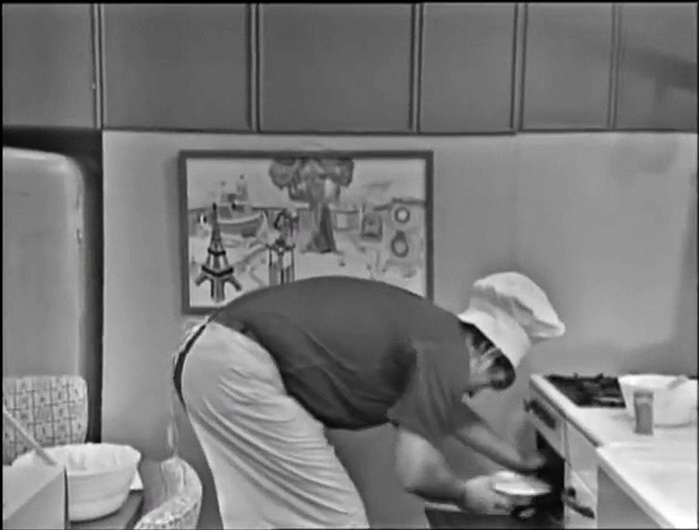 Mister Rogers' Neighborhood S01E003 #3 Chef Brockett Bakes a Cake Fit for a  King (1967) Black & White