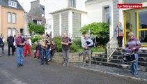 Camaret-sur-Mer (29). Les anciens du bagad de Lann Bihoué toujours verts