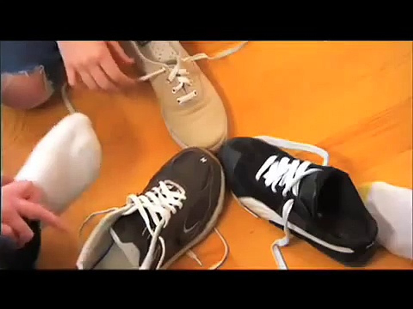 Watch Me Learn - how to tie my shoes