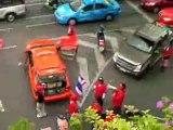 UDD red shirts beaten off at Sathorn Bangkok
