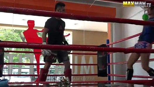 Une championne de boxe tha se fait passer pour une - Cuisine thai pour debutants ...