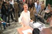 """Cifuentes vota en unas elecciones """"muy especiales"""""""