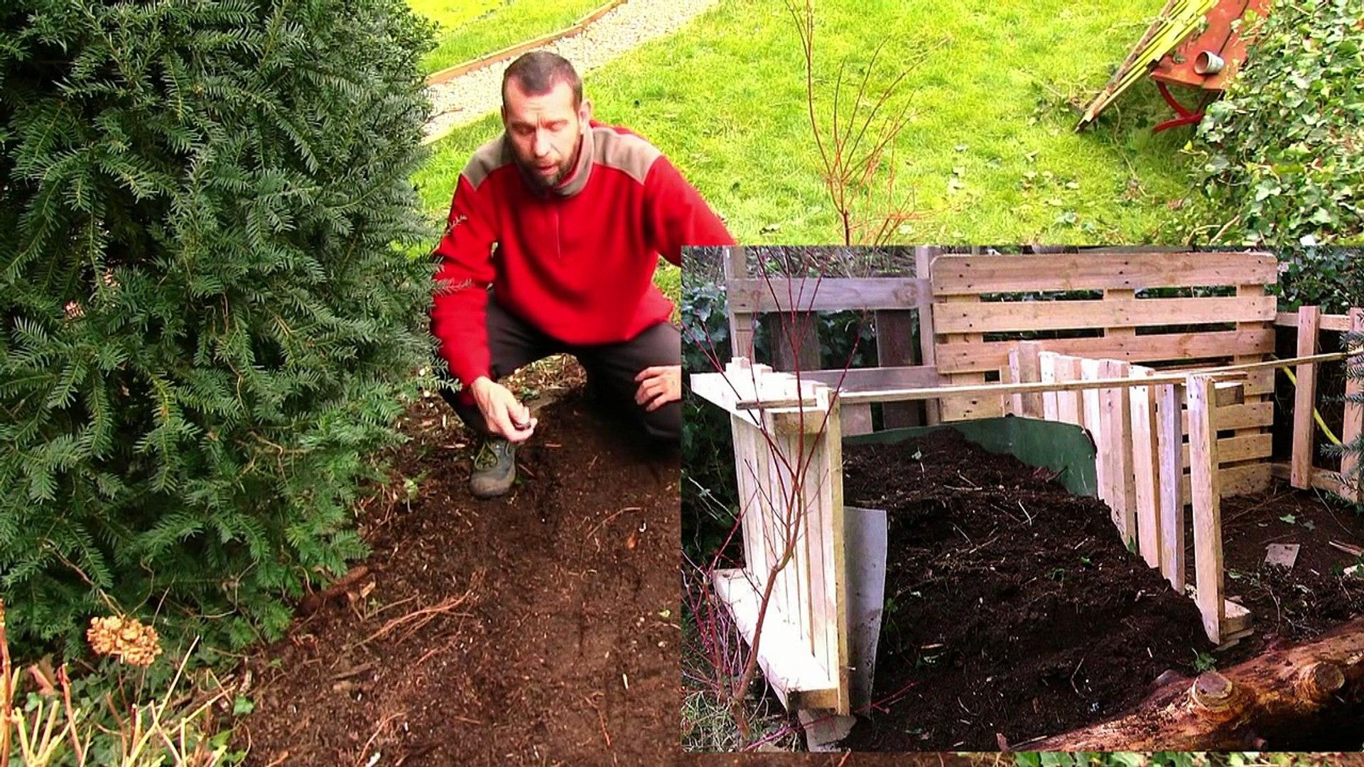 Fabriquer Un Composteur Avec Des Palettes composteur en palette, faire son compost - pallets composter, make your own  compost video