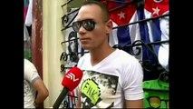 Equipos de noticias en La Habana recogiendo declaraciones sobre relaciones Cuba- EE.UU.