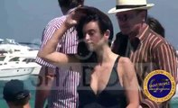 ST TROPEZ 2007 : Penelope Cruz, Bono and Helena Christensen at Club 55 beach in St Tropez