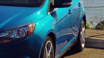 Los Angeles Times Motor Minute: 2012 Ford Focus - Reviewed by Susan Carpenter