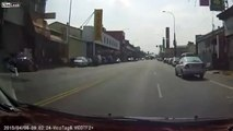 LiveLeak - Insurance scammer tries his luck on two cars-copypasteads.com
