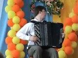 Il a une maîtrise parfaite de son accordéon